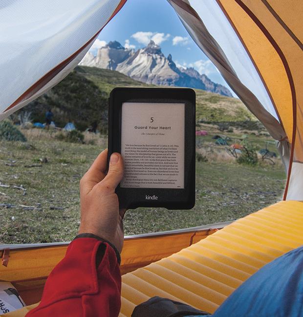books vs. ebooks traveling