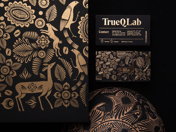 image of a luxurious black and golden business card idea
